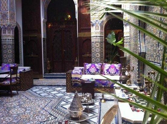 Riad Rcif: hotel interior