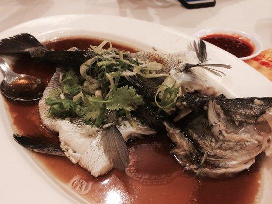 Ah Yat Seafood: steam sea bass hk style