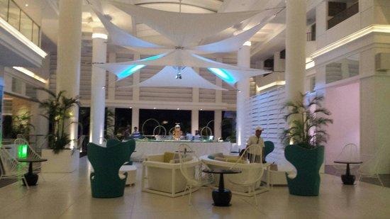 Movenpick Hotel Mactan Island Cebu: Lobby