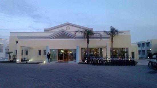 Zorbas Beach Hotel: hotel