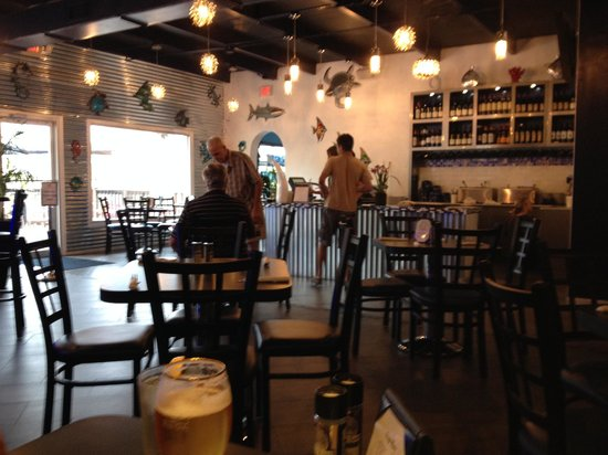 Fish Tale Grill by Merrick Seafood: Dining Room