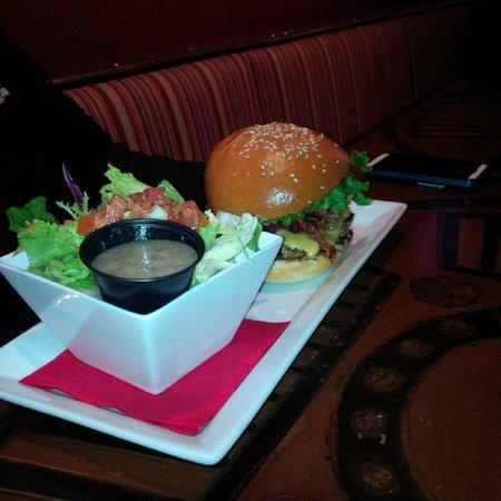 Strathmore Station Restaurant And Pub : Burger and side salad