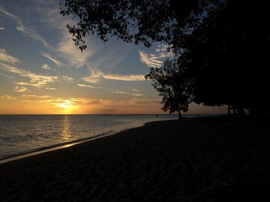 Maradiva Villas Resort and Spa : la plage
