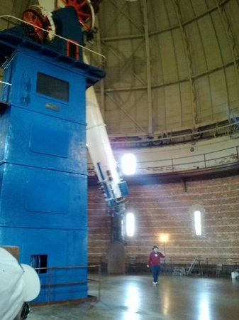 Yerkes Observatory : Tour guide next to the 'scope