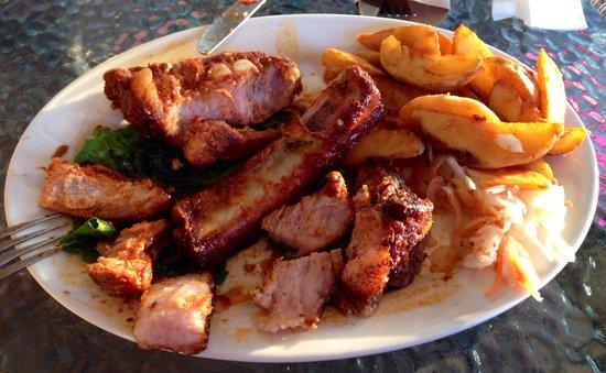 Monpasie Cafe: Не обнаружив в свинине ничего, кроме огромных кусков противного сала пришлось отдать результаты