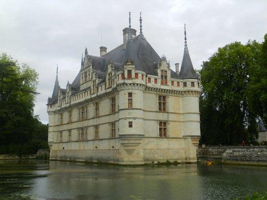 Château d'Azay-le-Rideau : vue du chateau