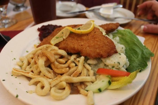 Cafe Old Vienna : Spaetzle and Gravy