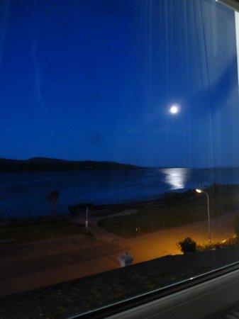 The Royal an Lochan : Full moon