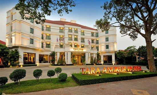 Tara Angkor Hotel : Vista del entrada Hotel
