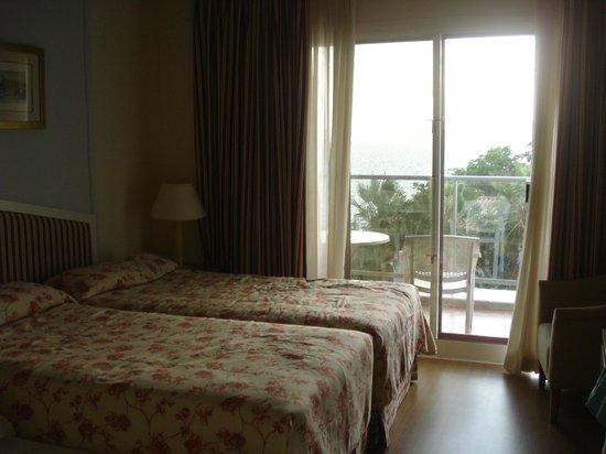 THB Torrequebrada Hotel: habitacion triple