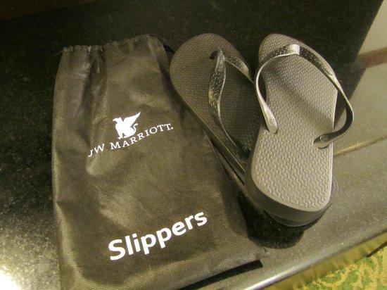 JW Marriott Hotel Rio de Janeiro : Hotel slippers