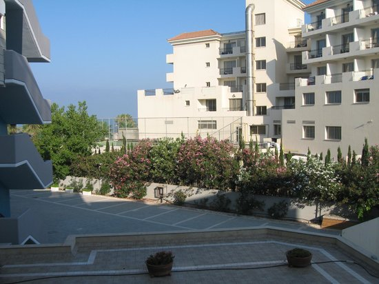 "Constantinou Bros Asimina Suites Hotel: ""side sea view""!!"
