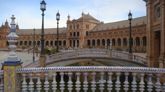 Hotel Boutique Casas de Santa Cruz : The plaza of Espana