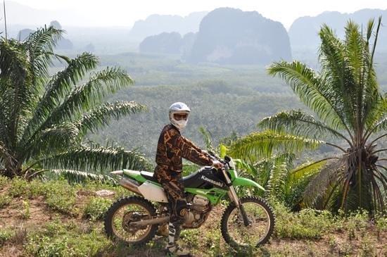Thailand Off-Road Adventures : Udsigt til plantager og bjerge