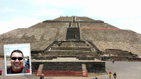 Royal Cars and Tours: Pyramid of the moon