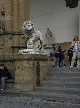 Loggia dei Lanzi: one of the lions