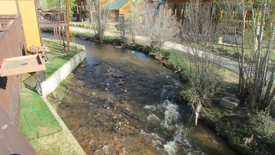 Murphy's River Lodge: Magic river