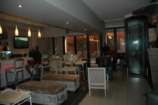 Rockwell All Suite Hotel: Spacious Venue