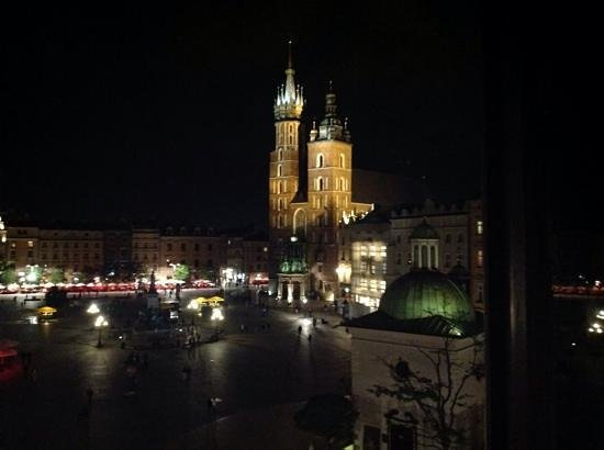 Hotel Wentzl : night view from our room