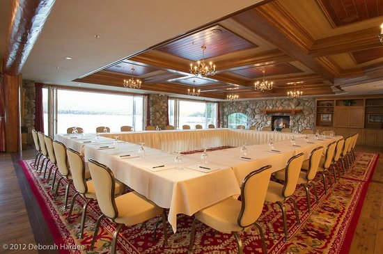 Shore Lodge offers a number of flexible space options for meetings