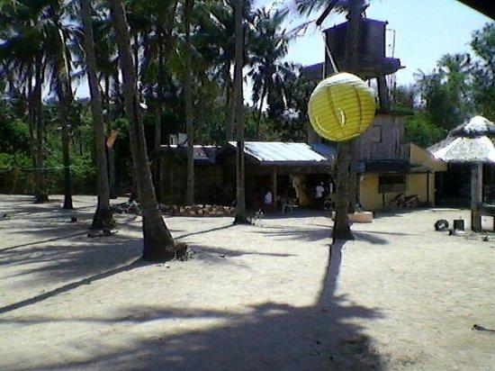White Beach: Inside Bakawan Forest Resort