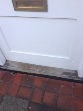 Lavender Tea Rooms: Entrance step needs a coat of paint