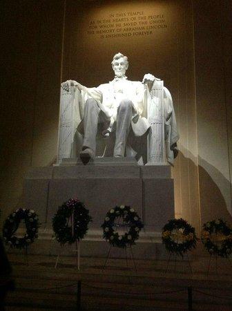Lincoln Memorial et Reflecting Pool : Frente da Estátua
