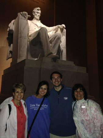 DC Insider Tours: On our Tour at the Lincoln Memorial