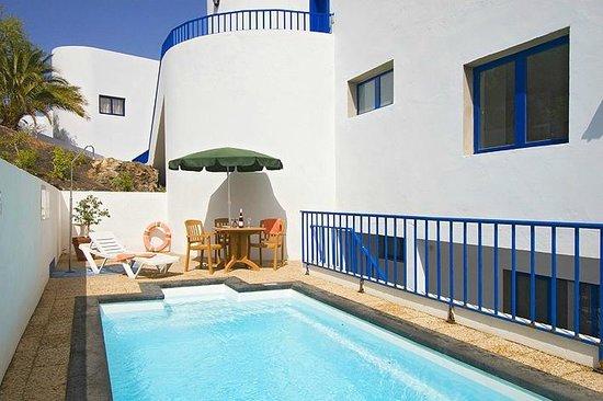 Club Pocillos: small pool