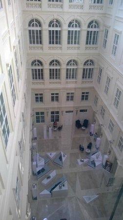 Barceló Brno Palace: hotel lobby