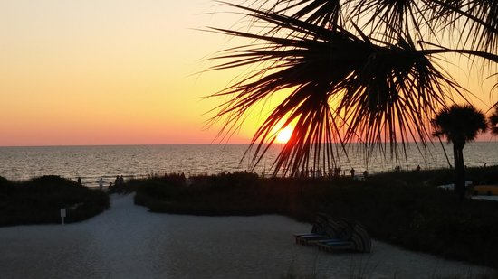 Siesta Sands Beach Resort: Sunset View from Unit 211!
