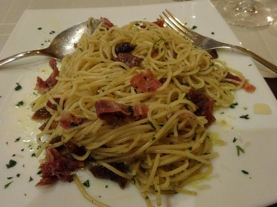 Pizzeria & Spaghetteria Storia: Spaghetti with prosciutto and fig