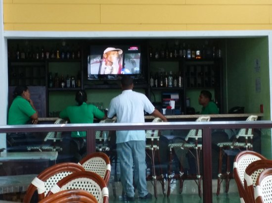 "Playa Tortuga Hotel & Beach Resort: Very Typical of the Service everywhere... ""watch that TV"""