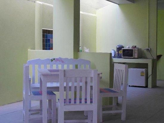 Dozy House: living room