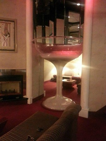 Giant Champagne Glass Jacuzzi Picture Of Cove Haven