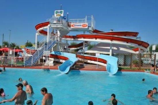 Hotel Savana: il parco acquatico beach village è gratis