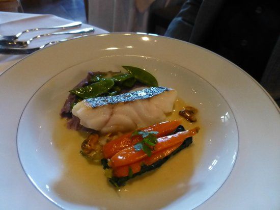 La Mirande : Filet of cod with purple potatoes and vegetables