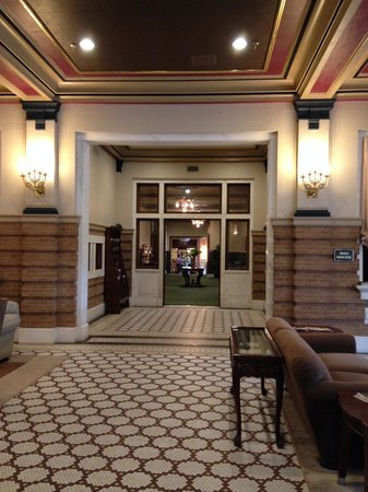 Pensacola Grand Hotel : down the hall to the 1912 Restaurant