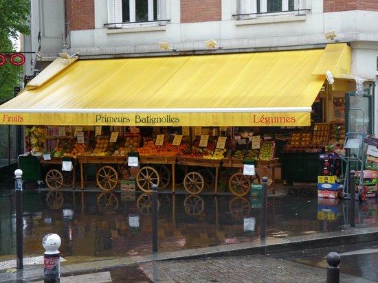 La Fruter U00eda Frente Al Hotel - Picture Of Tingis Hotel  Paris