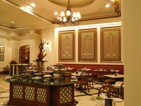 Eros Hotel: Dining room-buffet