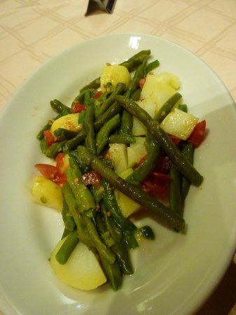 Pompei Resort: tender green beans and potatoes
