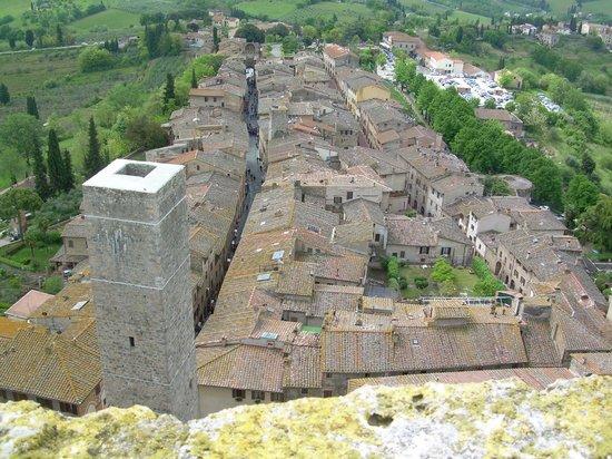 San Gimignano Bell Tower: Blick nach Süden über die Via S. Giovanni