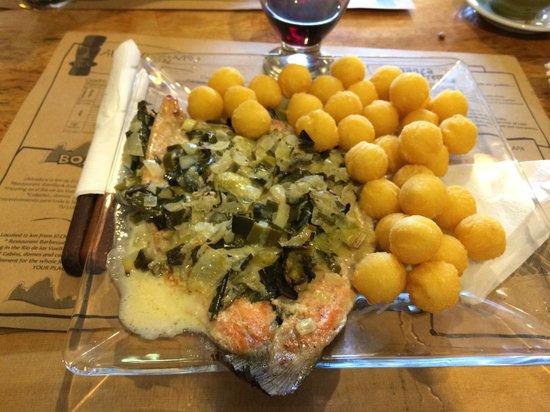 Restaurante Ahonikenk Chalten Fonda Patagonia: Trucha al verdeo. Riquísima!