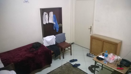 Firouzeh Hotel: Мой трёхместный номер