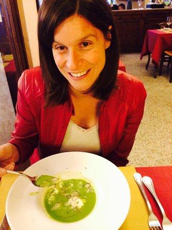 La Vineria: Vellutata di piselli con tartufo e stracciatella di bufala:Cristina è soddisfatta!