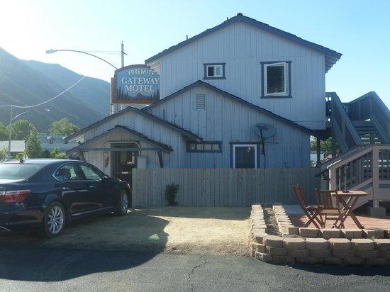 Yosemite Gateway Motel: YGM