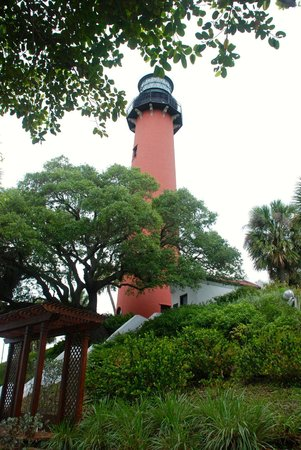 Jupiter Inlet Lighthouse & Museum: View from the base of the light