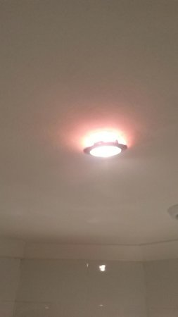 Artto Hotel - Bathroom - Loose Ceiling Light
