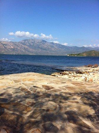 Hotel Silva Oliva: Lake Bafa