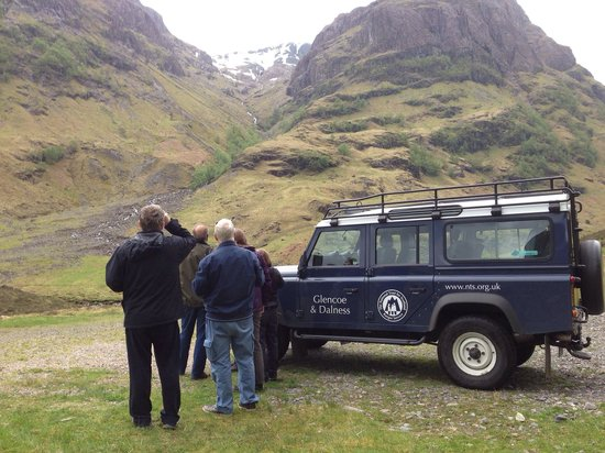 Glencoe Visitor Centre: Stunning view by Landrover